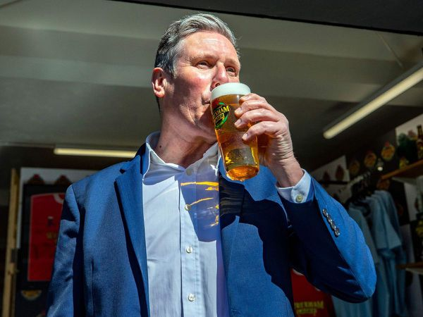 Starmer toasts Welsh Labour with Wrexham Lager brewery visit