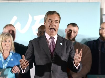 WATCH: Nigel Farage pledges to 'fight for UK' as Brexit Party lands in Telford