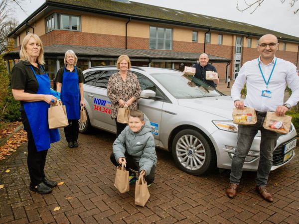 SHREWS COPYRIGHT SHROPSHIRE STAR JAMIE RICKETTS 30/10/2020 - Now Cars, Morrisons and also The Lantern in Shrwsbury have teamed up to do the Food Deliveries  of the childrens lunches over half term. In Picture: Lantern staff, Lee Wilson (Now Cars) and Adrian Cusa (Owner of Now Cars)..
