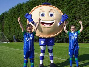 Crusty the Pie (Wigan Athletic)