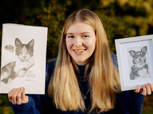 Teenager Amanda Bourne is using her artistic skills to create sketch images of people's beloved pets, including cats and dogs
