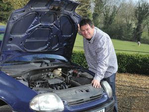 Mike Brewer and a Renault Clio