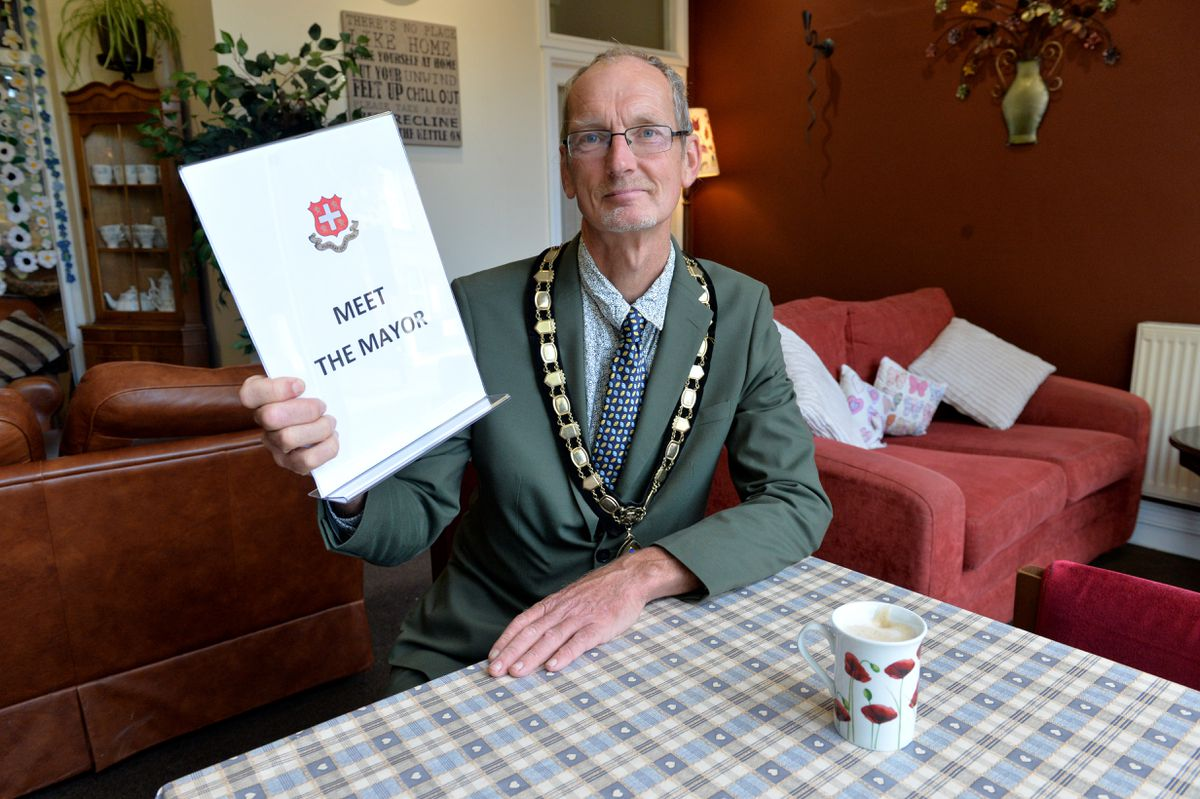 Oswestry Mayor, Duncan Kerr, at the  Old Coffee Pot  for a regular drop in event