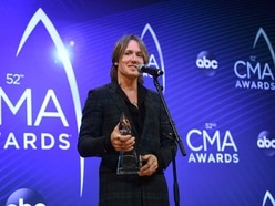 Keith Urban wins entertainer of the year at CMAs