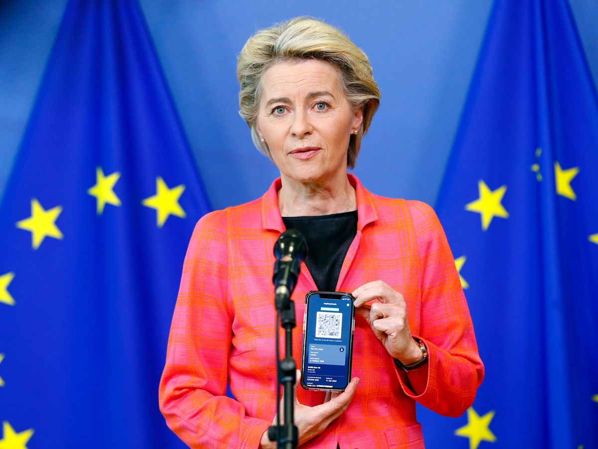 European Commission President Ursula von der Leyen with her EU Digital Covid Certificate