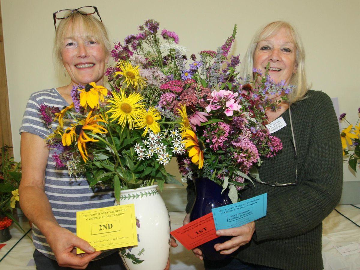 Floral winners were Eileen Mattey and Annie Frost.