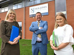 Duo land roles with financial advisers