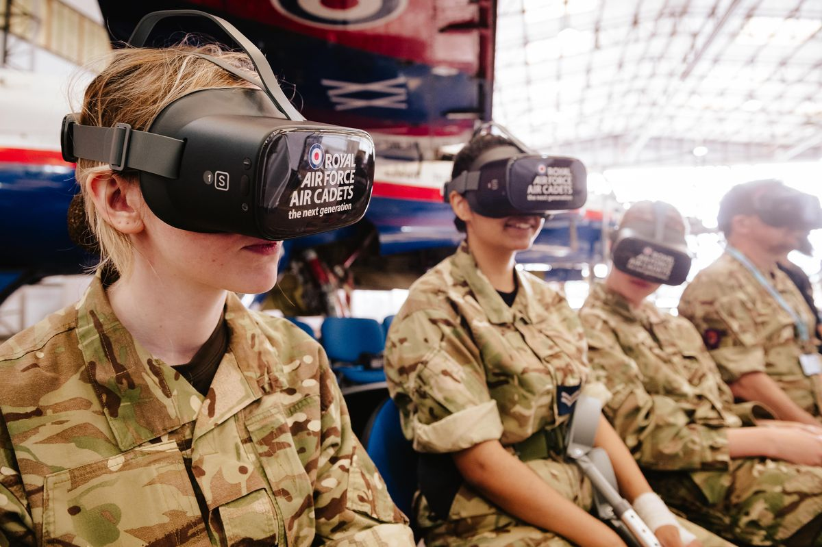 Getting to grips with flying with the help of a Virtual Reality Headset