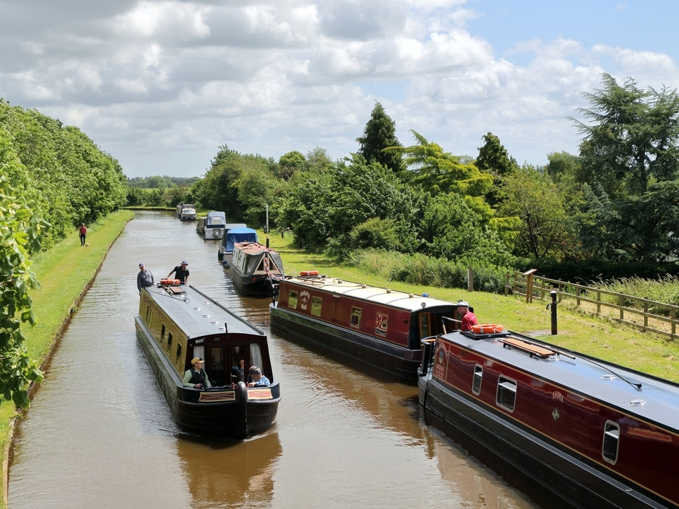 Record numbers of volunteers helping out on Shropshire canals network - and beating stress