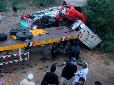 15 killed as truck hits bus carrying wedding party in Pakistan