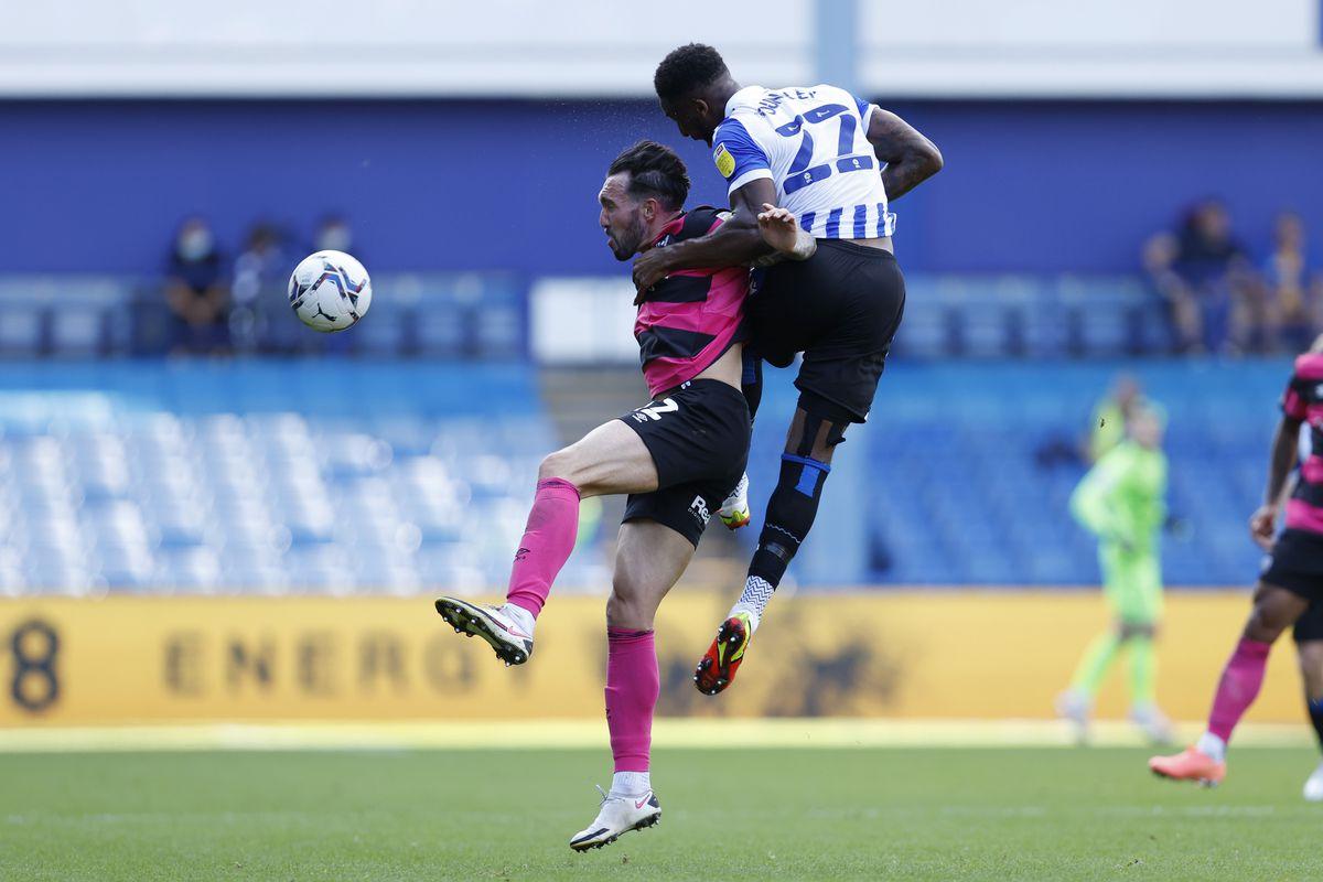Ryan Bowman of Shrewsbury Town and Chey Dunkley of Sheffield Wednesday. (AMA)