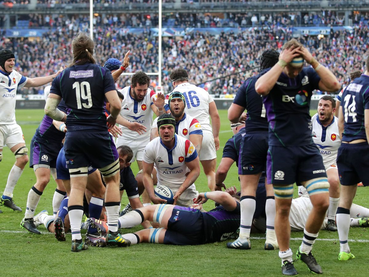 France and Scotland players
