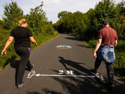 Tory MPs urge shortening of two-metre rule