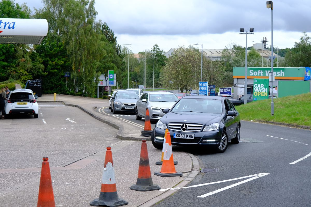 Drivers queue for fuel at Tesco, Wrekin Retail Park, on Saturday. Photo: Muneeb Khalid