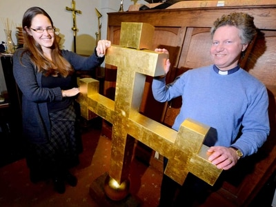 Church cross ready to take pride of place in Bridgnorth skyline