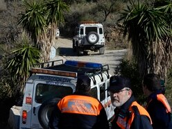 Technical setbacks slow search for Spanish boy stuck in deep hole