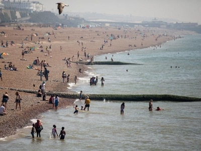 UK set for more sunshine and hotter temperatures over bank holiday weekend