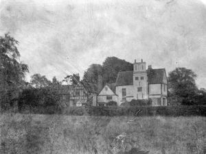 This old picture of Boscobel House seems to have been taken by Noah Maiden, who was born around the 1860s.