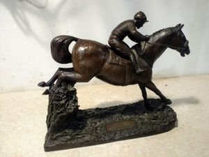 The Red Rum statue that arrived with all four legs broken and both ears missing has now been restored