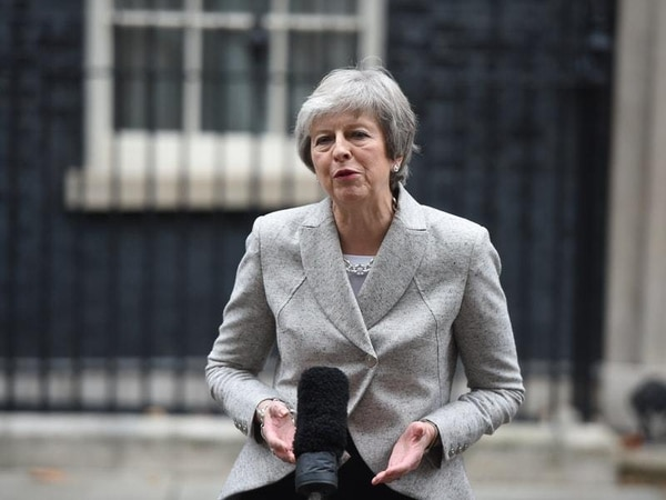 Theresa May set to pull crucial Commons Brexit vote