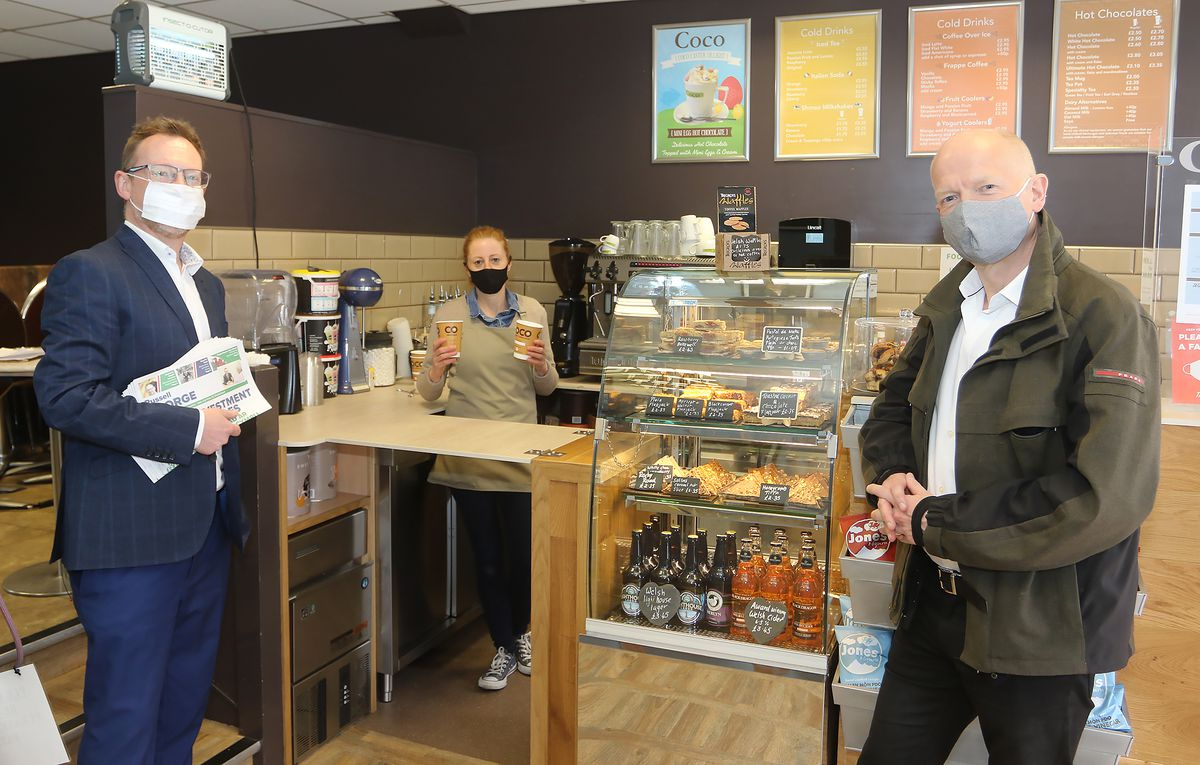 Russell George and William Hague visit to Coco Coffee House Pictured with Jo Harris.Picture by Phil Blagg Photography.