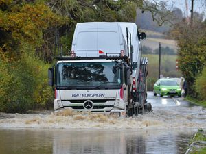 SOUTH COPYRIGHT SHROPSHIRE STAR STEVE LEATH 14/11/2019..Pic along Long Lane, Craven Arms, where the raod has flooded, some cars mounted the path to get through..