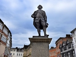 Shrewsbury's Clive of India stands fast to win new battle