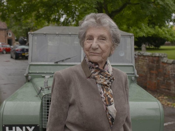 Land Rover reunites ex-employee with the car she helped build – 72 years ago