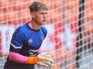 Jaden Bevan of Shrewsbury Town warms up. (AMA)