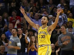 Steph Curry adds to his ridiculous highlight reel with unbelievable bounce shot