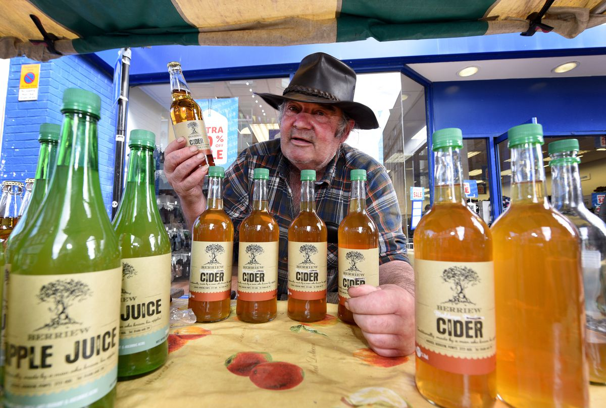 Gerald Davies from Berriew Cider