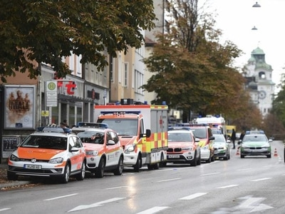 Man arrested after four people stabbed in Munich city centre