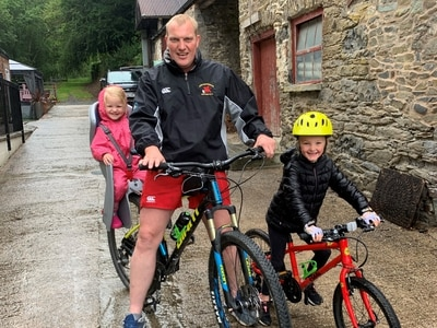 Go Gracie! Six-year-old cycling 200 miles to raise money for hospice which cares for her sister