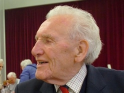 Tributes paid to former Welshpool mayor and serviceman