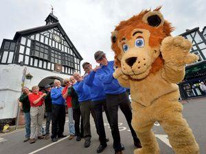 Lennie the Lion (Martin Allen) with Howard Davies, Keith Hayward, John White, Peter Morford, John Woodfield, John Radford, John Boydell, Richard Wills, Matt Mott