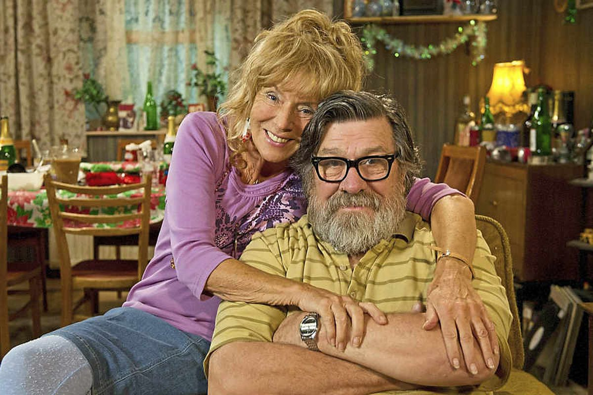 Ricky Tomlinson as Jim Royle with on-screen wife Barbara (Sue Johnston)