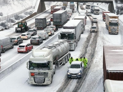 Police issue warning to drivers with snow and blizzards expected in Scotland
