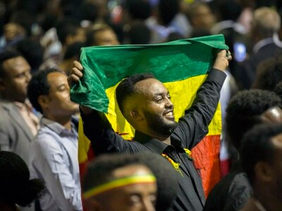 First commercial flight from Ethiopia to ex-rival Eritrea touches down