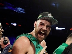 Tyson Fury overcomes deep cuts to beat Otto Wallin by unanimous decision