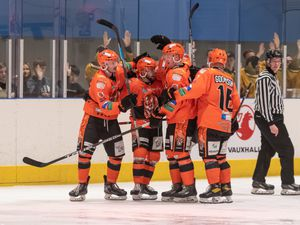 Telford Tigers celbrations after Ross Connelly 3rd period goal