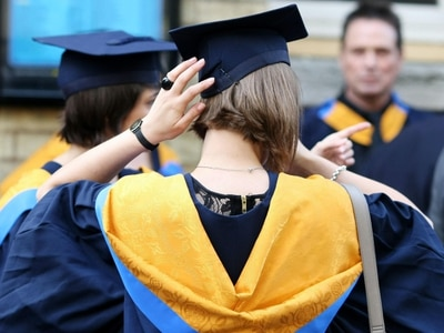 Fewer students find degree places through clearing