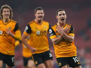 Daniel Podence of Wolverhampton Wanderers celebrates after scoring a goal to make it 1-2 (AMA)
