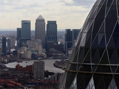 Government resignations spark pound sell-off