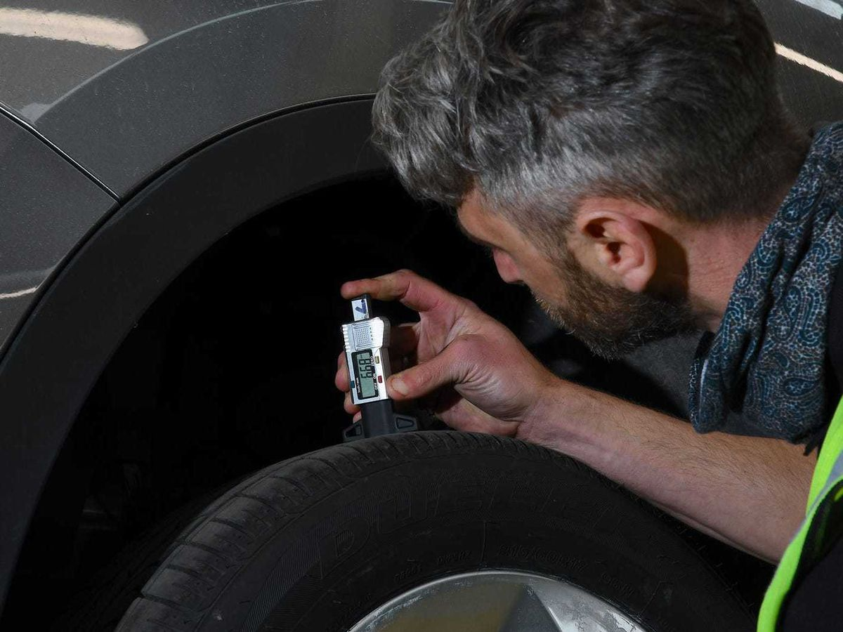 MOT garages pass nearly one in seven vehicles that should have failed