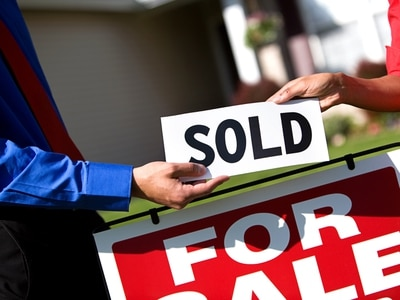 'Like the cork coming out of a champagne bottle': Property market facing surge in demand