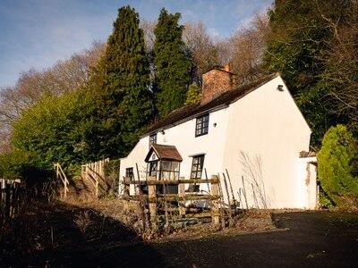 'Britain's wonkiest cottage' in Ironbridge to go under the hammer