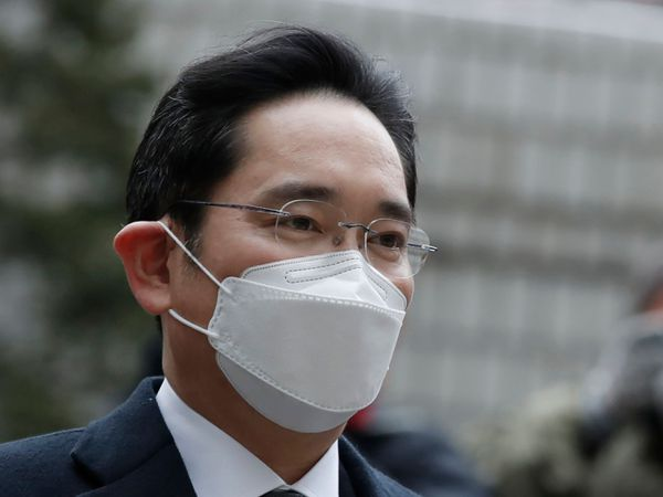 Samsung Electronics vice chairman Lee Jae-yong arrives at the Seoul High Court