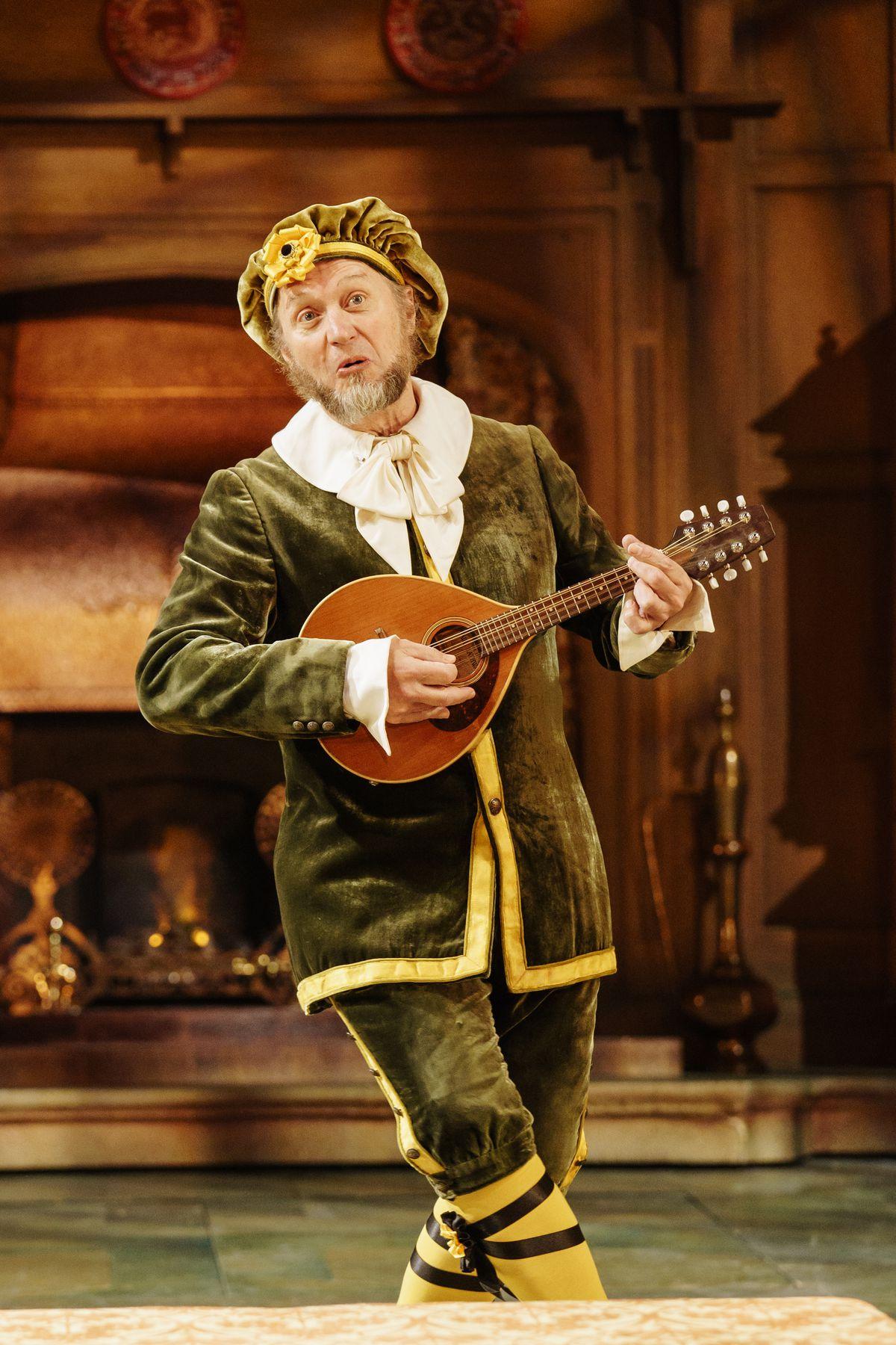 Adrian Edmondson as Malvolio. Pictures by: Manuel Harlan