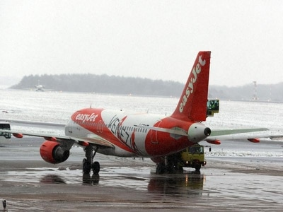 Flights disrupted after snow