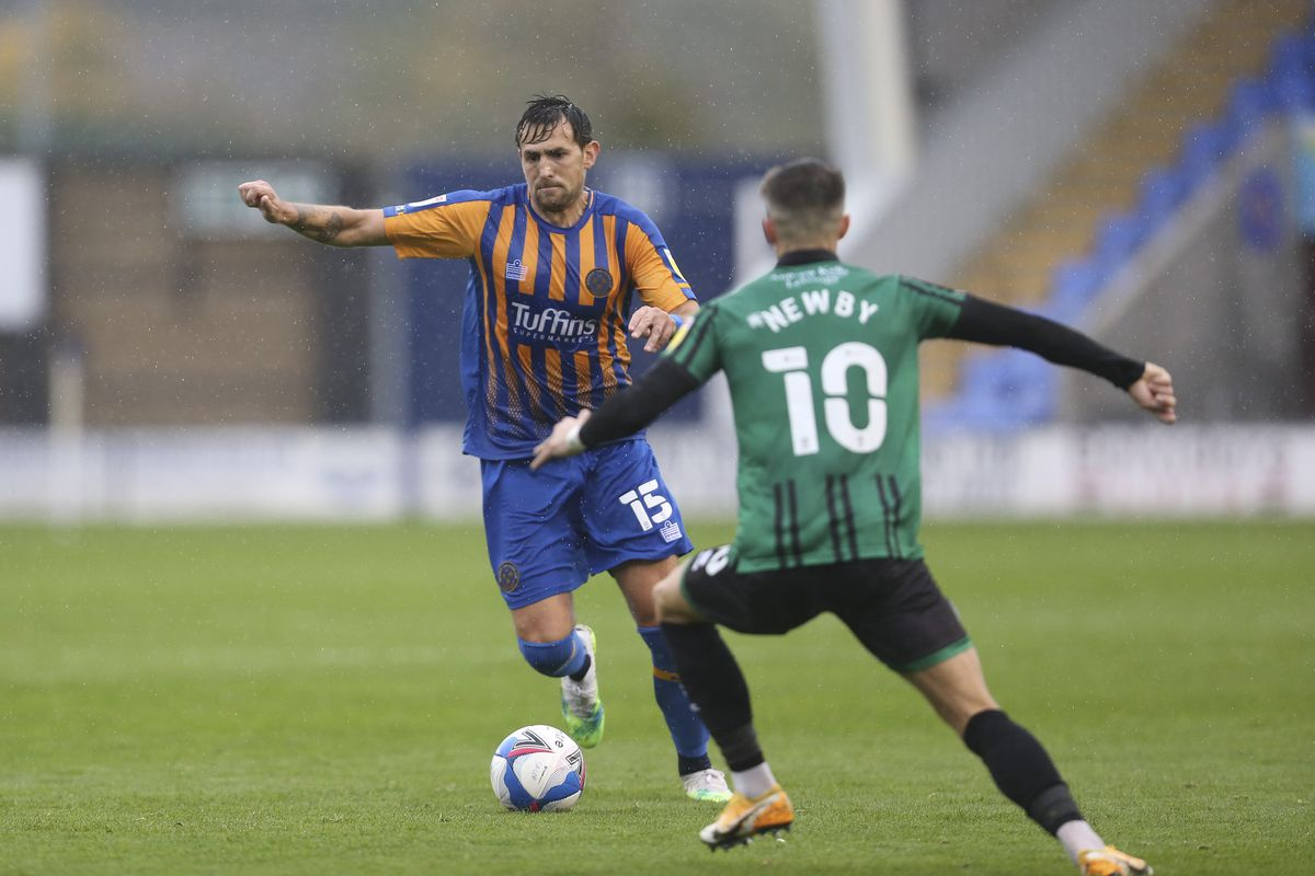 Shrewsbury Town 1 Rochdale 2 - Report and pictures